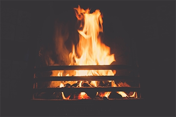 5 reasons why you should have a real fire at home...