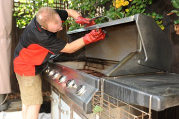 Cleaning Your Bbq In Time For Summer